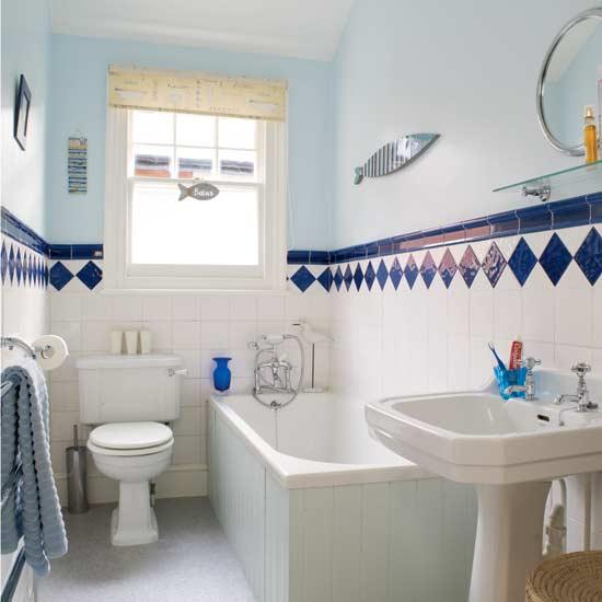 Дизайн большой ванной комнаты с окном совмещенной с туалетом