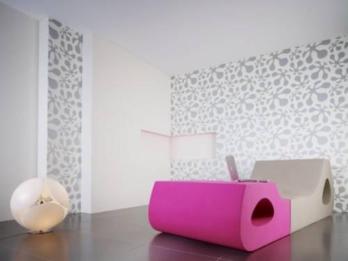 Обои для стен в дизайне гостиной